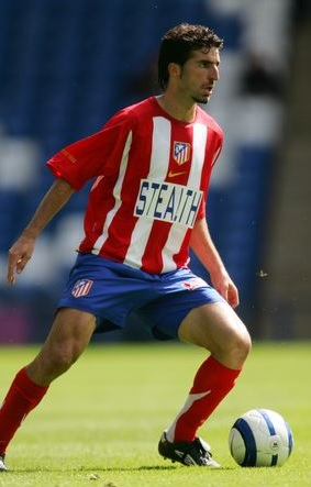 Atletico-Madrid-05-06-NIKE-home-kit-stripe-blue-red-Juan-Velasco.jpg