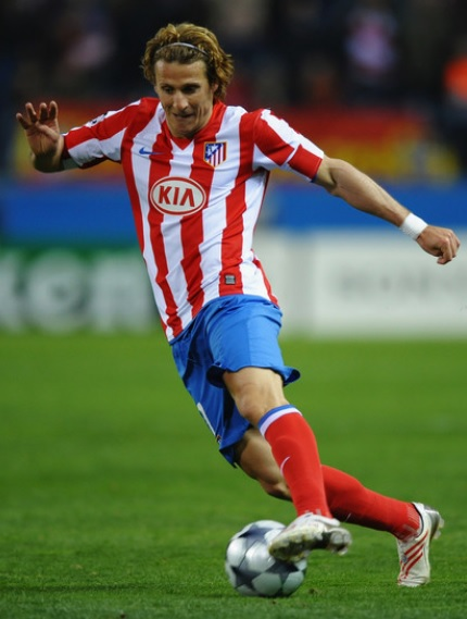 Atletico-Madrid-09-10-NIKE-home-kit-stripe-blue-red.jpg