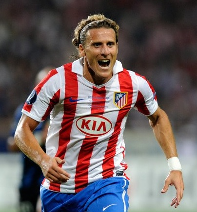 Atletico-Madrid-10-11-NIKE-first-kit-Diego-Forlán .jpg