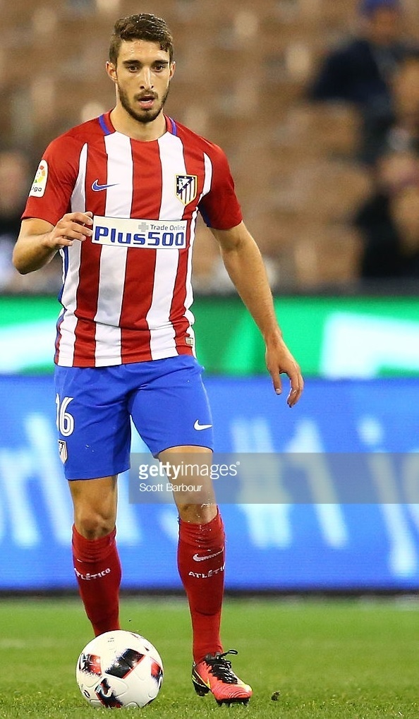 Atletico-Madrid-2016-17-NIKE-home-kit-Sime-Vrsaljko.jpg