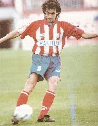 Atletico-Madrid-95-96-PUMA-home-kit-stripe-blue-red-Juan-López.jpg