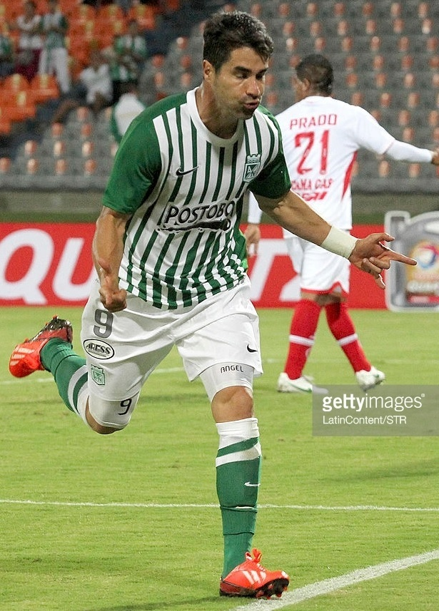 Atletico-Nacional-2013-NIKE-home-kit.jpg