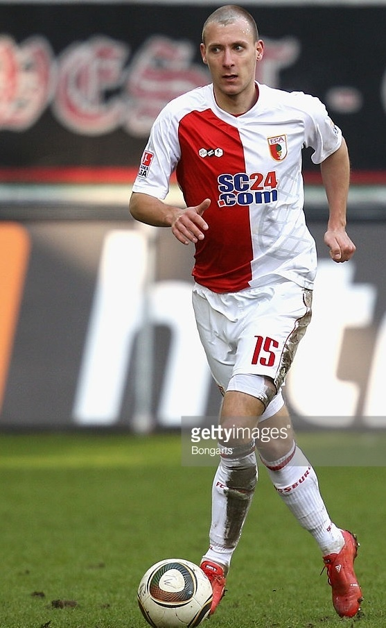 Augsburg-09-10-DO-YOU-FOOTBALL-home-kit-Dominik-Reinhardt.jpg
