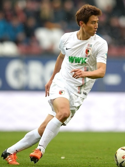 Augsburg-15-16-NIKE-home-kit-Koo-Ja-Cheol.jpg