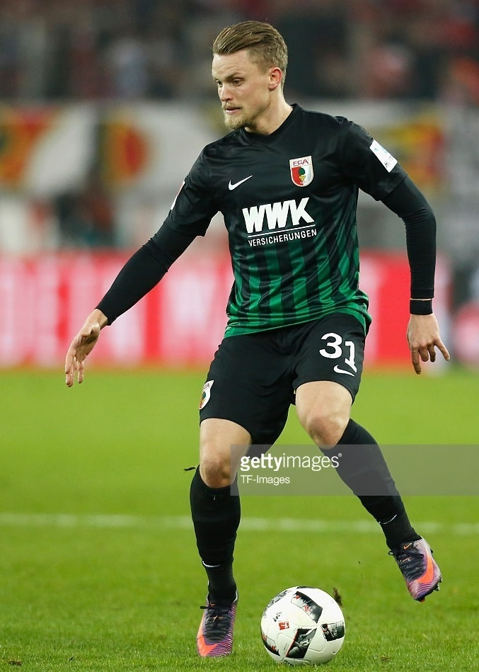 Augsburg-2016-17-NIKE-away-kit-Philipp-Max.jpg