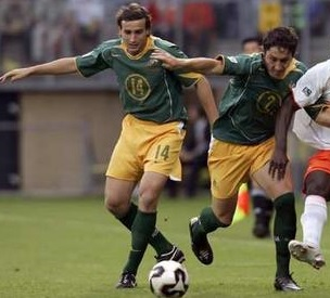 Australia-04-05-NIKE-home-kit-green-yellow-green.jpg