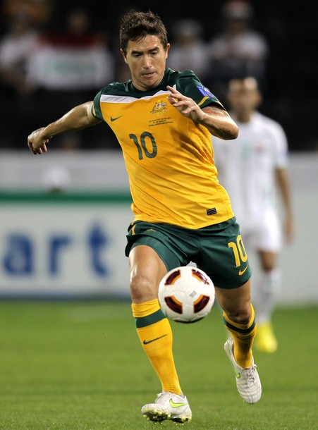 Australia-10-11-NIKE-asian cup-home-kit-yellow-green-yellow.jpg