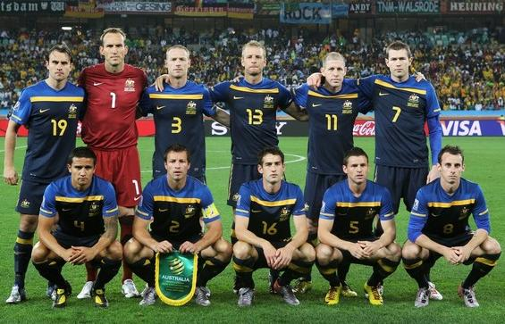 Australia-10-11-NIKE-world cup-away-kit-navy-navy-navy-line up.jpg