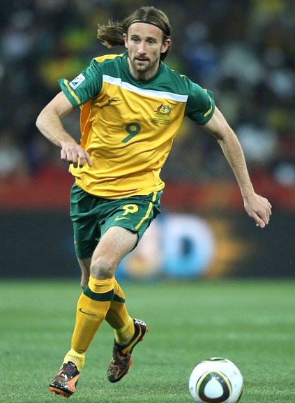 Australia-10-11-NIKE-world cup-home-kit-yellow-green-yellow.JPG