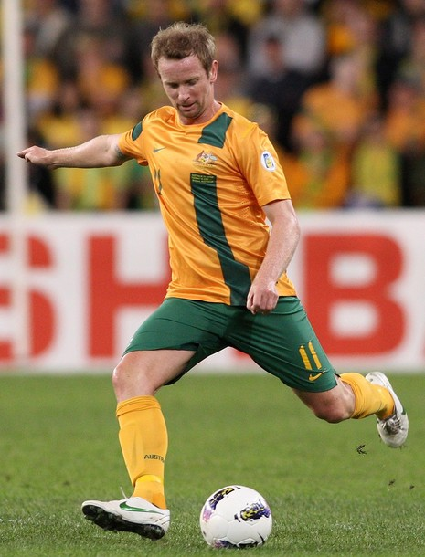 Australia-12-13-NIKE-home-kit-yellow-green-yellow.jpg