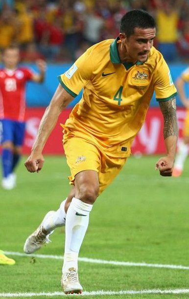 Australia-14-15-NIKE-home-kit-yellow-yellow-white.jpg