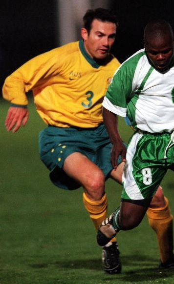 Australia-2000-NIKE-olympic-home-kit-yellow-green-yellow.jpg