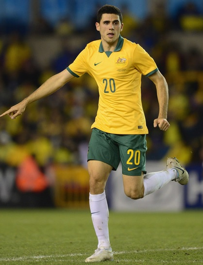 Australia-2014-NIKE-home-kit-yellow-green-white.jpg