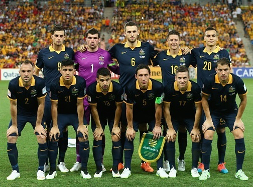 Australia-2015-NIKE-away-kit-navy-navy-navy-line-up.jpg