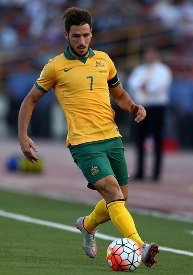 Australia-2015-NIKE-home-kit-yellow-green-yellow.jpg