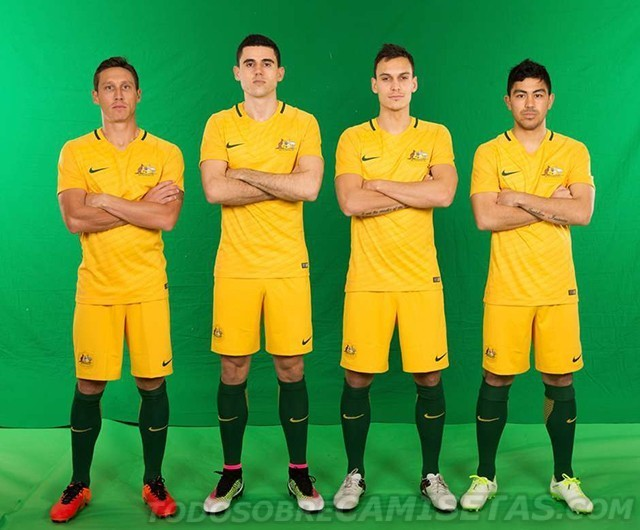 Australia-2016-NIKE-new-home-kit-5.jpg