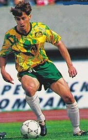 Australia-93-Kingroo-home-kit-yellow-green-white.jpg