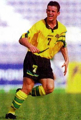 Australia-98-99-adidas-yellow-black-yellow.JPG