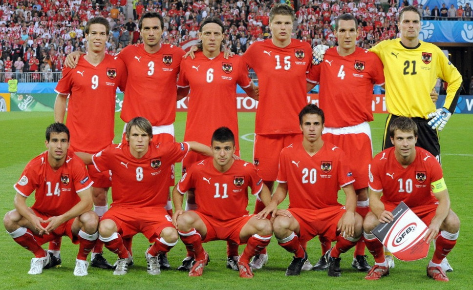 Austria-07-09-PUMA-home-kit-red-red-red-line-up.jpg