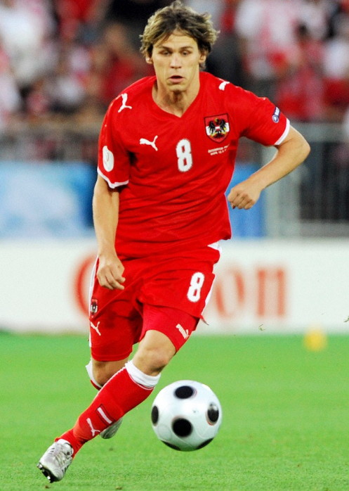 Austria-07-09-PUMA-home-kit-red-red-red.jpg