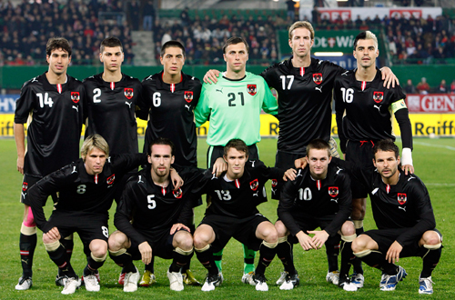 Austria-08-09-PUMA-away-uniform-black-black-black-group.JPG