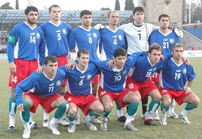 Azerbaijan-06-PUMA-home-kit-blue-red-green-pose.JPG