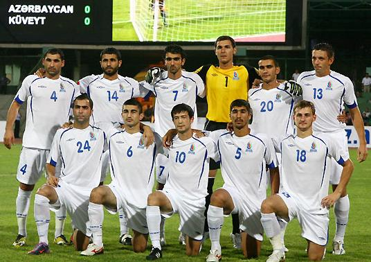 Azerbaijan-10-11-UMBRO-away-kit-white-white-white-pose.JPG