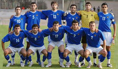 Azerbaijan-10-UMBRO-away-kit-blue-white-blue-line-up.jpg