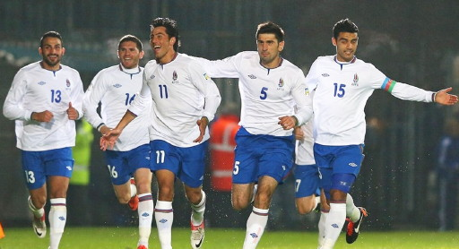 Azerbaijan-12-13-UMBRO-home-kit-white-blue-white-joy.jpg