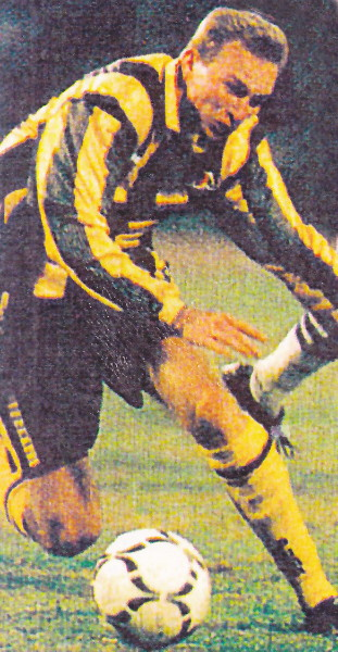 Azerbaijan-96-97-PUMA-away-kit-yellow-black-yellow.jpg