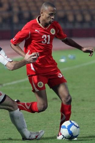 Bahrain-10-11-PUMA-home-kit-red-red-red.JPG