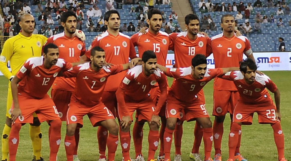 Bahrain-14-15-romai-home-kit-red-red-red-line-up.jpg