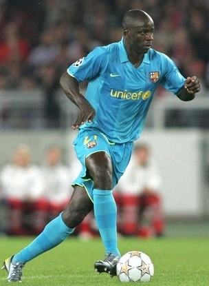 Barcelona-07-08-NIKE-away-kit-Lilian-Thuram.jpg