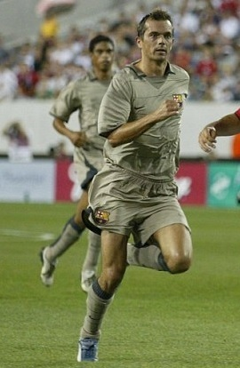 Barselona-03-04-NIKE-away-kit-Phillip-Cocu.jpg
