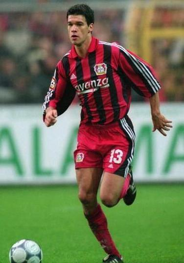 Bayer-Leverkusen-00-01-adidas-first-kit-Michael-Ballack.jpg