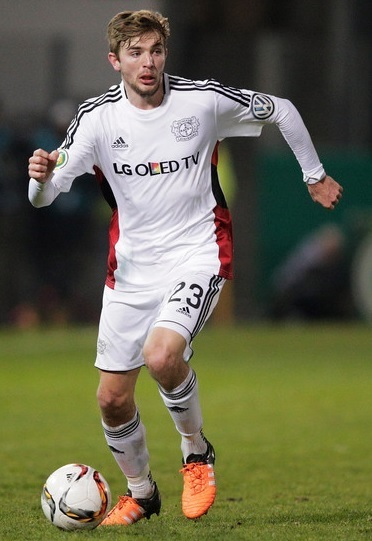 Bayer-Leverkusen-15-16-adidas-third-kit-Christoph-Kramer.jpg