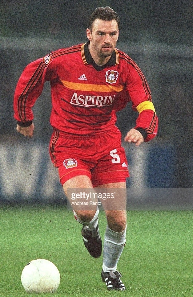 Bayer-Leverkusen-1998-99-adidas-home-kit.jpg