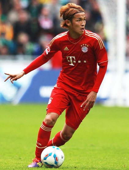 Bayern-11-12-adidas-home-kit-red-red-red.jpg