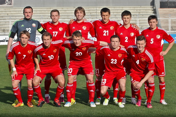 Belarus-12-13-adidas-home-kit-red-red-red-line-up.jpg