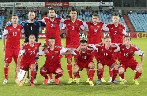 Belarus-14-15-adidas-home-kit-red-red-red-line-up.jpg