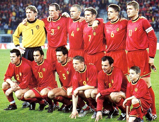 Belgium-00-01-NIKE-uniform-red-red-red-group.JPG