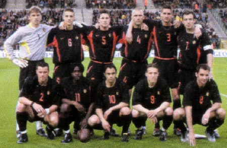 Belgium-02-03-NIKE-uniform-black-black-black-group.JPG