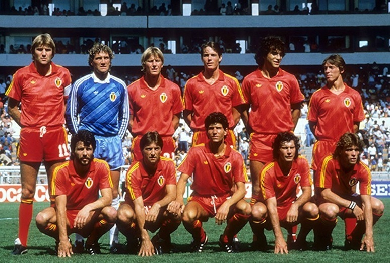 Belgium-1986-adidas-world-cup-kit-red-red-red-line-up.jpg