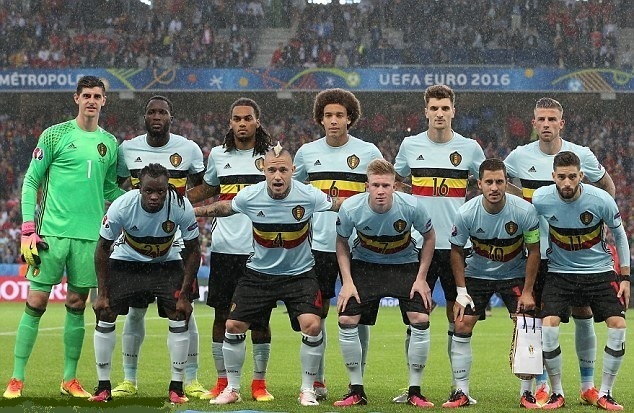 Belgium-2016-adidas-EURO-away-kit-light-blue-black-light-blue-line-up.jpg