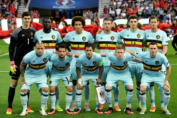 Belgium-2016-adidas-EURO-away-kit-light-blue-light-blue-light-blue-line-up.jpg