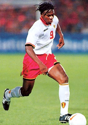 Belgium-96-97-DIADORA-uniform-white-red-white.JPG