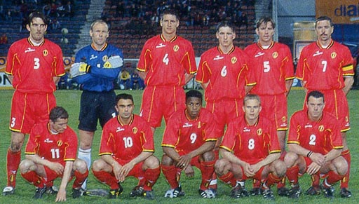 Belgium-98-99-DIADORA-uniform-red-red-red-group.JPG