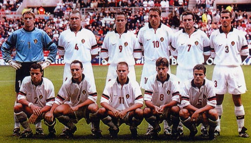 Belgium-99-00-NIKE-uniform-white-white-white-group.JPG