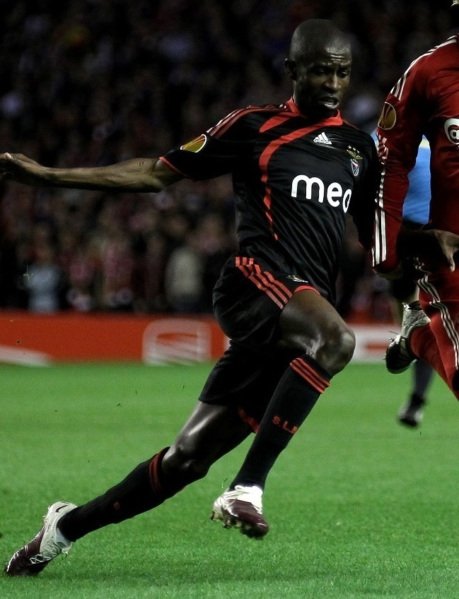 Benfica-09-10-adidas-away-kit.jpg