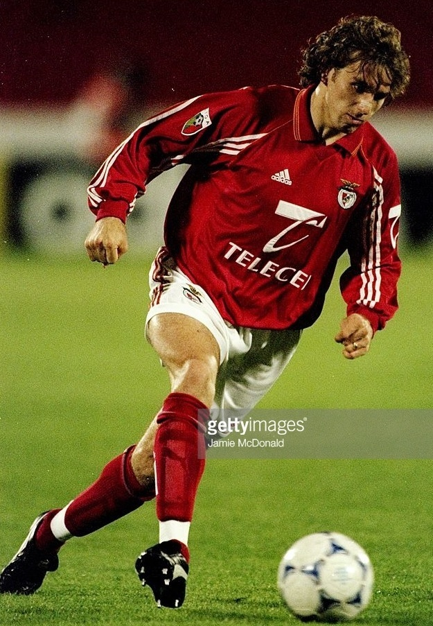 Benfica-1998-99-adidas-first-kit-Karel-Poborsky.jpg